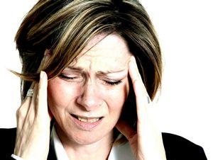 Почему болит голова, когда меняется погода?